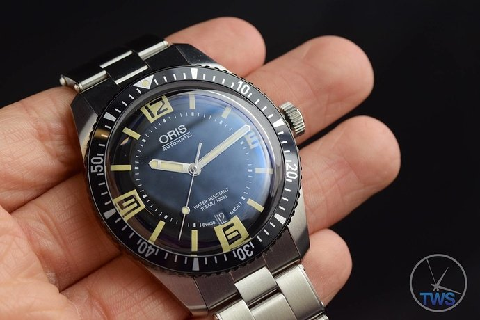oris-divers-sixty-five-with-metal-bracelet-photo-gallery-022