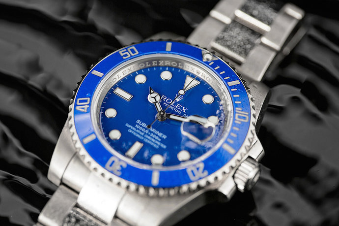 White-Gold-Submariner